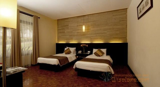 Gambar Foto Double Bed Suite Room at Puteri Gunung Hotel